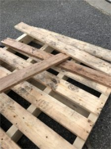 Easily Remove Pallet Boards